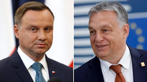 Polens president Andrzej Duda (t.v.) og den ungarske statsministeren Viktor Orbán - to skikkelser som representerer en mer autoritær holdning med maktsentralisering og svekkelse av demokratiet - ifølge kronikkforfatteren.