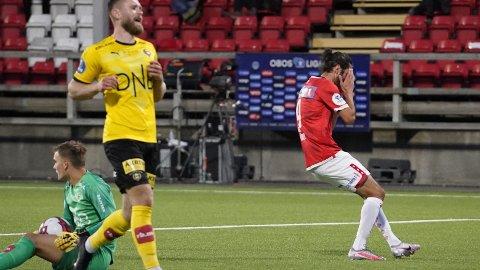 Adem Güven fortviler etter å ha bommet på en sjanse mot Lillestrøm.