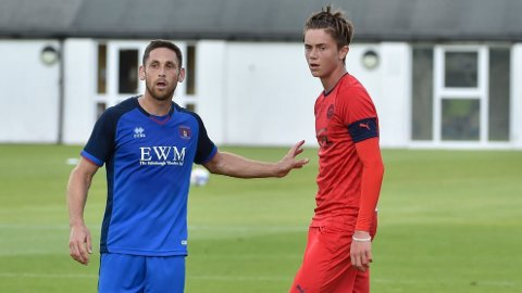 Thelo Aasgaard debuterte for A-laget til Wigan i treningskampen mot Carlisle. Foto: @LaticsOfficial