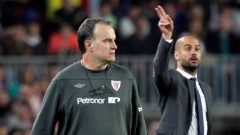 Pep Guardiola (t.h.) har aldri tapt mot Marcelo Bielsa.