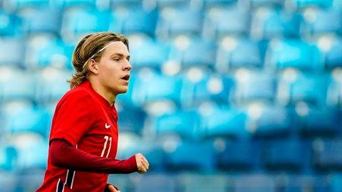 Brennhete Jens Petter Hauge er tatt på Norges A-landslag og vil bli sårt savnet for Norge U21 i fredagens bortekamp mot Portugal U21.
