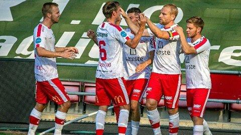 MOT OPPRYKK: Fredrikstad Fotballklubb nærmer seg et etterlengtet opprykk til nivå to i norsk fotball.