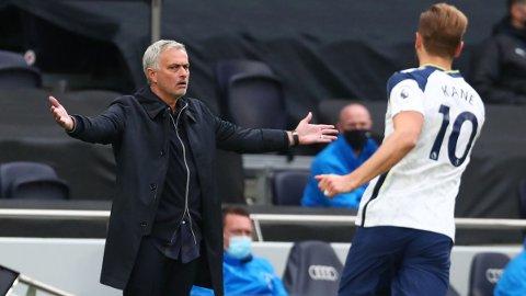 IKKE FORNØYD: Jose Mourinho ønsker å ha en skadefri Harry Kane tilbake fra landslagsopphold.