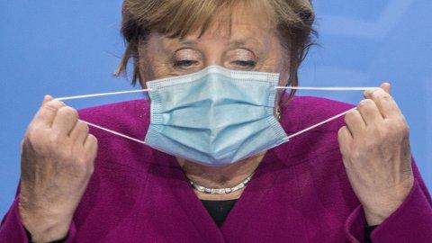 NY SMITTEREKORD: Det ble registrert 6638 nye smittetilfeller i Tyskland det siste døgnet. Det er det høyeste antallet på et døgn siden pandemien brøt ut. Økningen kommer like etter at Angela Merkels regjering og styresmaktene i Tysklands 16 delstater ble enige om å innføre strengere tiltak i hardt koronarammede områder.