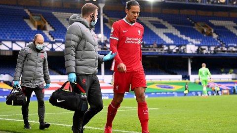 MÅ OPERERE: Virgil van Dijk må under kniven etter skaden han pådro seg i lørdagens kamp mot Everton.