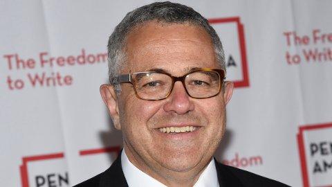 Den kjente TV-personligheten Jeffrey Tobin er suspendert fra magasinet The New Yorker etter en tabbe under et firmamøte på videoplattformen Zoom i forrige uke.