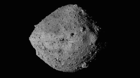 Landingen på den lille asteroiden, som har en radius på cirka 250 meter, var vellykket. Foto: NASA / Goddard / University of Arizona / CSA / York / MDA via AP/NTB