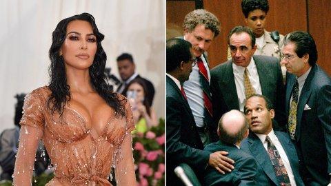 TØFF TID: Da Robert Kardashian (helt til høyre) forsvarte O.J. Simpson da han sto tiltalt for drap i 1995, påvirket det familien. Ekskona mente nemlig O.J. var skyldig, og barna deres havnet midt oppe i det hele.