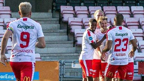Vi tror at FFK-spillerne og hele fotballbyen Fredrikstad kan feire opprykket til OBOS-ligaen søndag. FOTO: Fredrikstad Blad