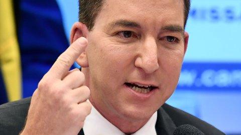 Journalisten Glenn Greenwald fillerister amerikanske medier for å ikke å ta tak i den kontroversielle saken om Joe Biden og sønnen Hunter Biden.