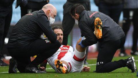 Southamptons toppscorer Danny Ings må operere kneet, og det betyr at han er ute i opptil seks uker.