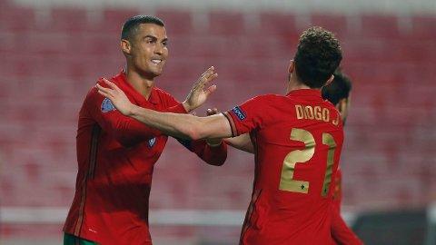 Cristiano Ronaldo og hans lagkamerater i Portugal møter Frankrike til greuppefinale lørdag kveld.