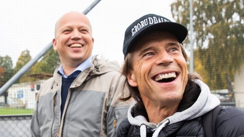 JUBELTALL: Senterparti-leder Trygve Slagsvold Vedum og partiets nyvalgte førstekandidat i Oslo, Jan Bøhler, kan le hele veien til Stortinget dersom resultatet i Nettavisen og Klassekampens måling blir valgresultatet i stortingsvalget neste høst.