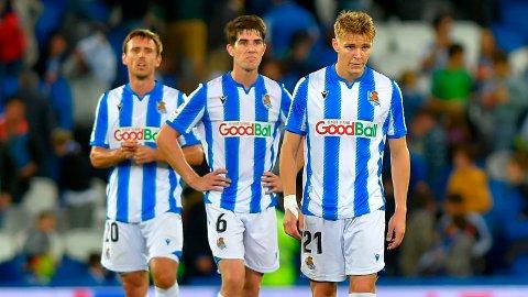 FORVIRRING: Real Sociedad-spiller Nacho Monreal (bakerst i bildet) avslører at det var stor forvirring rundt Ødegaards retur til Real Madrid.