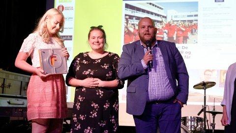 Gard Michalsen har sagt opp stillingen som ansvarlig redaktør i E24. Bildet er fra Fagpresseprisen i 2018 da han var redaktør i Medier24. På bildet sammen med Julie Tangen (t, v.) og Eira Lie Jor.