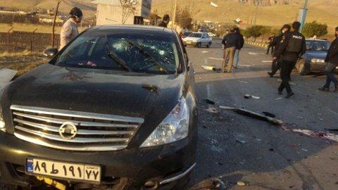 Den iranske atomfysikeren Mohsen Fakhrizadeh ble drept i et attentat i Absarsd, rundt 70 kilometer øst for Teheran. Foto: Fars / AP / NTB