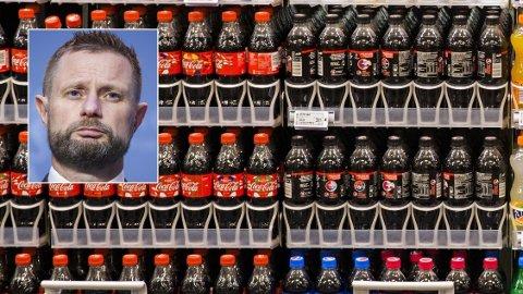 FÅR KRITIKK: - Jeg vil be industrien om å bidra til at disse avgiftsendringene ikke fører til økt inntak av sukker, sier helseminister Bent Høie. Det monner nok ikke, tror kritisk professor.