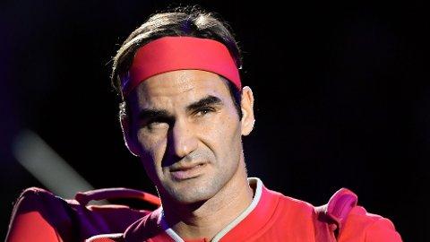 LEGENDE: Roger Federer kjemper nå for å komme tilbake fra to kneoperasjoner.