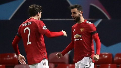 Bruno Fernandes (t.h.) og Viktor Lindelöf kan sørge for at en tvilsom Manchester United-rekord slettes torsdag kveld.
