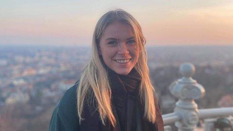 VIL FÅ JOBB: Karoline Opsahl er ikke redd for arbeidsmarkedet i framtiden, og har reflektert mye over hvilken kunnskap hun kan bidra med fra sin utdanningsretning og inn i ulike jobber.
