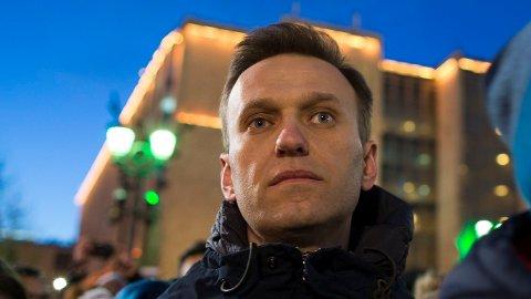 Den russiske opposisjonspolitikeren og Putin-kritikeren Aleksej Navalnyj ble forgiftet i august. Nå har han selv avslørt en FSB-agents angivelige rolle i attentatforsøket.
