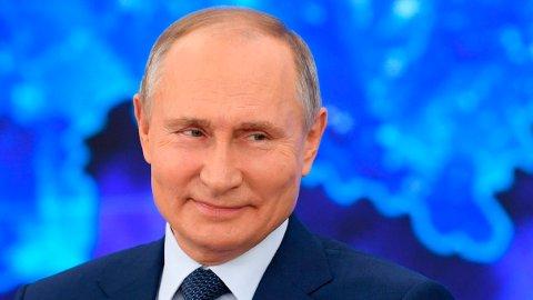 President Vladimir Putin har undertegnet en lov som sikrer ham og familien immunitet mot all framtidig straffeforfølgelse i Russland.