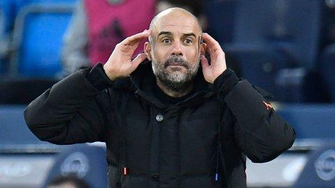 Pep Guardiola har ikke villet fortelle hvilke spillere som er i isolasjon. Det gjør at Chelsea ikke vet hvilket lag City kommer med til Stamford Bridge søndag.