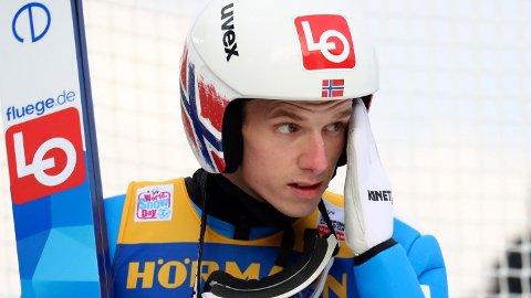 SKUFFET: Halvor Egner Granerud mislyktes i første omgang i den tredje konkurransen i Hoppuka.