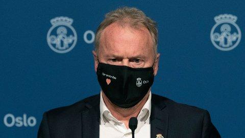 Økt smitte gjør at Oslo innfører ytterligere koronatiltak, sier byrådsleder Raymond Johansen.