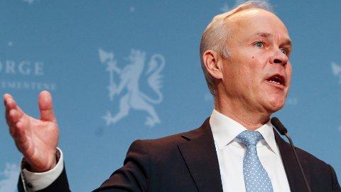 BEST: Finansminister Jan Tore Sanner (H) mener CO2-avgiften er det beste verktøyet regjeringen har for å kutte utslipp.