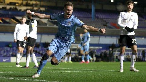 Leo Østigård er utlånt til Coventry fra Premier League-klubben Brighton.