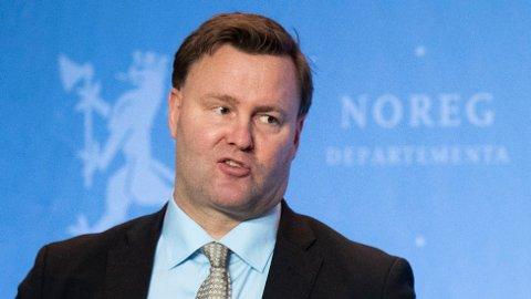 Assisterende helsedirektør Espen Rostrup Nakstad er svært bekymret.
