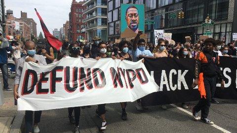 Black Lives Matter-bevegelsen i en demonstrasjon i New York.