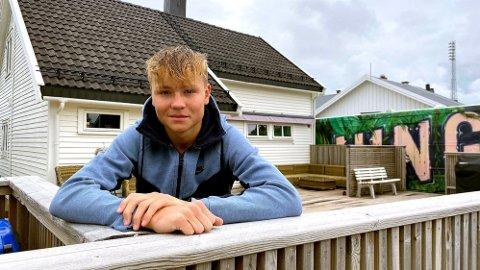 Andreas Schjelderup hjemme i Bodø før overgangen til Danmark.