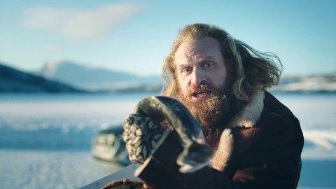 SVARER: Kristoffer Hivju svarer på humoristisk vis til Will Ferrell etter den den siste tids «Norge-hat».