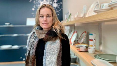 KAMP MOT AVGIFTEN: Anne Kristine Rugland Thulin, administrerende direktør ved porselensfabrikken på Figgjo, vil slåss for videre drift på fabrikken med rundt 85 ansatte.