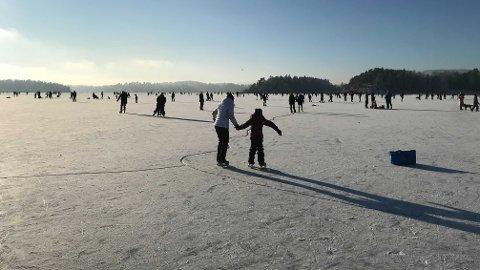Det er bare å kle seg godt de neste dagene, fordi det blir ganske så kaldt. Her fra Høvik i Bærum kommune.