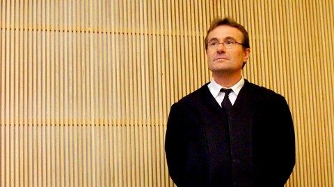 Førstestatsadvokat Erik Erland Holmen i Agder statsadvokatembeter, varsler at det blir ny hovedforhandling etter drapene i Baneheia.