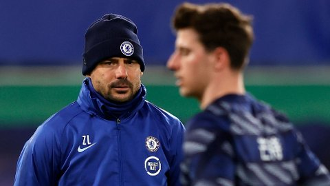 Chelseas ungarske assistenttrener Zsolt Low kjennerRalph Hasenhuttl veldig godt fotballmessig. Det kan bli viktig for Chelsea lørdag.