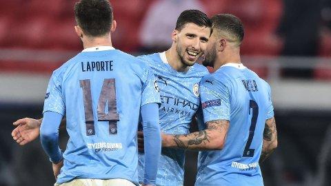 Aymeric Laporte (f.v.), Ruben Dias og Kyle Walker har stengt igjen bakover hos Manchester City. Vi tror også de vil gi West Ham-angriperne dårlige arbeidsforhold lørdag.