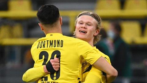 Reinier feirer med Erling Braut Haaland etter sin første scoring for klubben.
