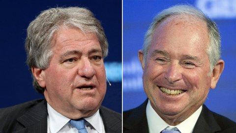 GODE PENGER: Leon Black (t.h.) og Stephen Schwarzman, i to av verdens største aktive eierfond, Blackstone og Apollo, tjente solide milliardbeløp i 2020 - kort tid etter at katastrofetalll rammet investeringene deres.