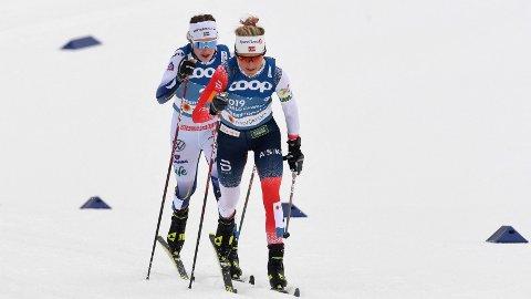 Therese Johaug går 3. etappe for Norge i dagens jentestafett, mens Ebba Andersson går 3. etappe for Sverige. Den etappen kan bli helt avgjørende.