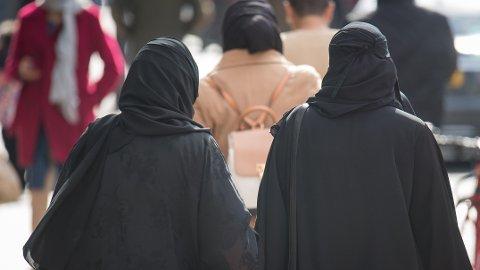 I Sveits kan det snart bli forbudt med burka på offentlig sted.
