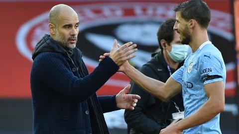 Pep Guardiola og Manchester City har tettet igjen bakover etter at Ruben Dias (t.h.) kom til klubben.