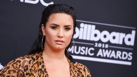 I den nye dokumentarserien forteller Demi Lovato om hvordan hun mistet jomfrudommen under en voldtekt.