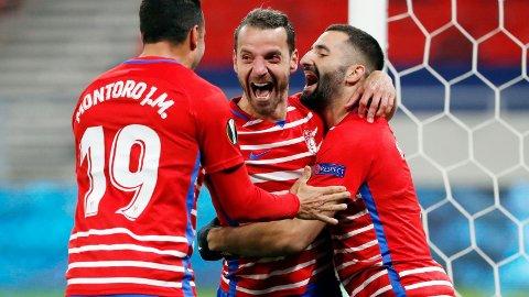 AVGJØRENDE: Roberto Soldado (midten) bidro sterkt til at Granada slo Molde ut av Europa League. Veteranen scoret i begge oppgjørene mot eliteserielaget.