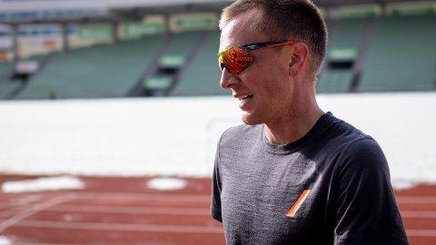 Langdistanseløper Sondre Nordstad Moen under en treningsøkt på Bislett stadion i forkant av sesongdebuten i Dresden.