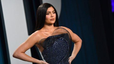 SLÅR TILBAKE: Kylie Jenner deler sin side av saken rundt pengeinnsamlingen til en tidligere stylist.