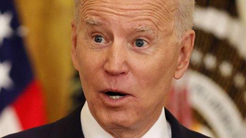 President Joe Biden får hard medfart av flere medier etter torsdagens pressekonferanse.